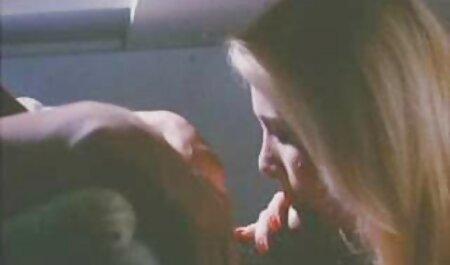 Sex pornovideos reife frauen im Club