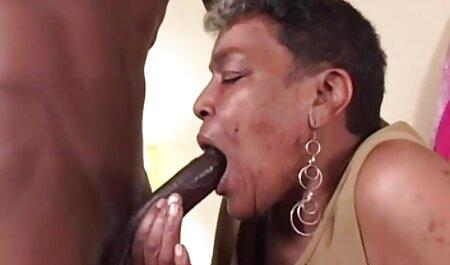 Big Boobs Frau youtube porno videos gratis von jüngeren Jungen gefickt