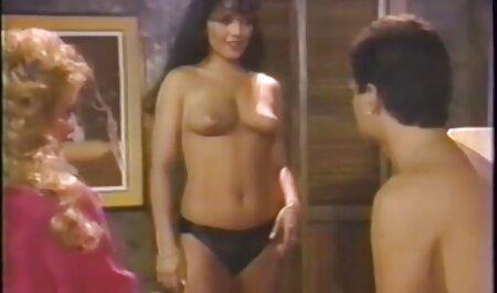 Rothaarige MILF suche porno videos mit großen Titten wird gefickt