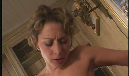 Madison Ivy fordert Alektra Blue auf, einen ganzen Strap-On zu kostenlose handy porno videos machen