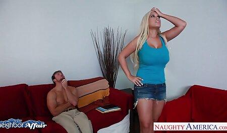 Das süße Babe fickt ihren Arsch während xhamster pornovideos der Arbeit mit einem riesigen Dildo
