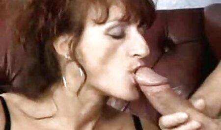 Sie nimmt kostenlose deutschsprachige pornovideos mehrere BBCs