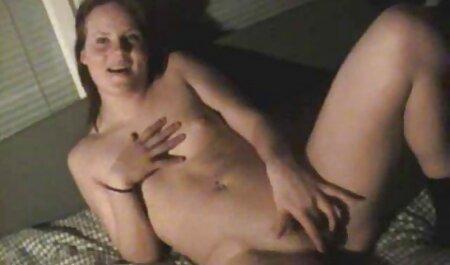 Sie stillt pornovideos kostenlos downloaden regelmäßig ihren Hunger