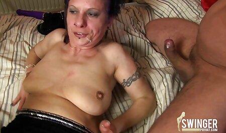 Petite Black Beauty bekommt alte pornovideos ihre enge Muschi von Black Stud geleckt und gefickt
