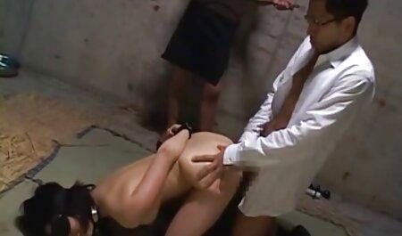 Heiße Amateur-Mutter von jüngerem französische pornovideos Jungen gefickt